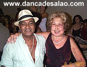 Dimar Ferreira Passos, faleceu em 16/05/2008 aos 67 anos e foi sepultado no cemitério do Catumbi. Com quase 40 anos ensinando rodopios (abandonou a carreira de eletricista para dar aulas) passou a se...