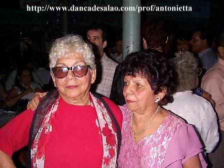 A irmã gêmea da profa. recém falecida Maria Antonietta morreu dia 10/10/2009. Ela nao era dançarina nem professora como a irmã, era dedicada à música. Mas era mãe de João Piccoli, professo...